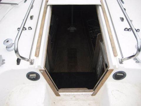 Tartan Ten, 33 ft., 1979 sailboat