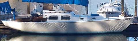 Pearson 28, Triton, 1960 sailboat