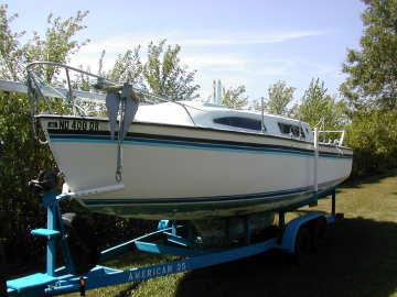 1975 American 25 sailboat, port