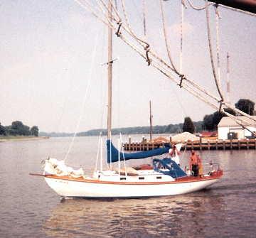 Annapolis Boatworks 30 sailboat, motoring