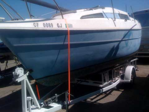 Bayliner 210 sailboat