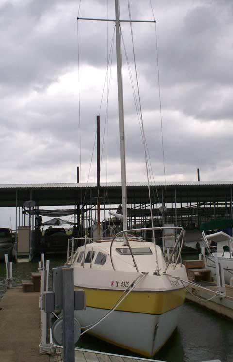 Bayliner Buccaneer 27 sailboat