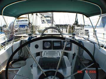 1996 Beneteau Oceanis 351 sailboat