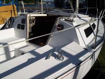 1985 Cal 22 sailboat
