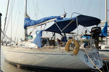 1988 Cal 33 yacht for sale