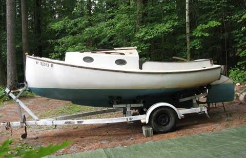 Cape Cod catboat 17