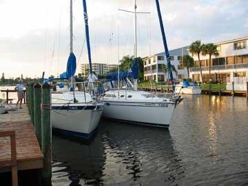 2000 Catalina 320 sailboat