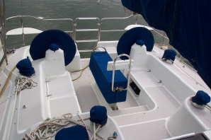 Catalina 400, cockpit