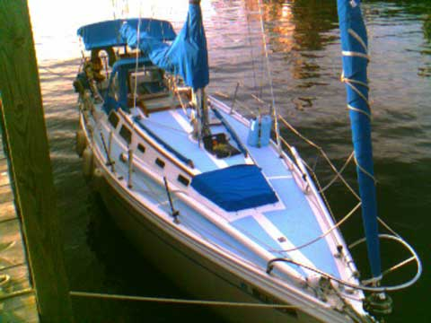 Columbia 30 Yacht For Sale
