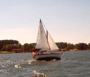 1986 Compac 27 under sail