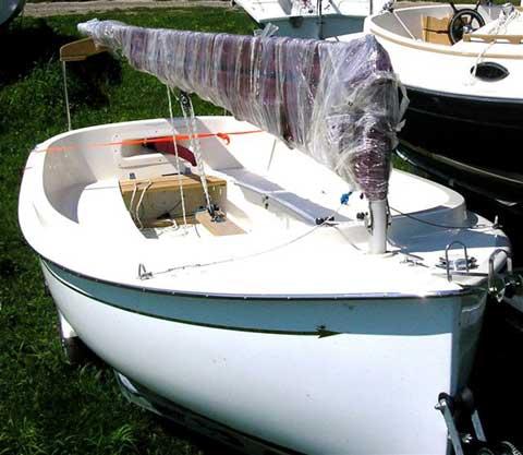ComPac Picnic Cat sailboat