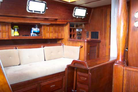 Endeavour 40 Yacht For Sale