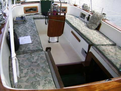 Endeavour Center Cockpit Cutter rigged Ketch