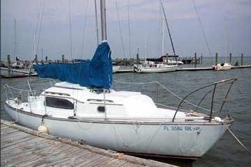 1970 Irwin 23, starboard side