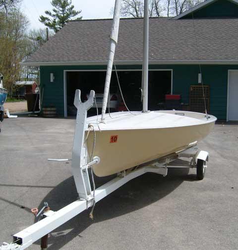 Chrysler Mutineer sailboat
