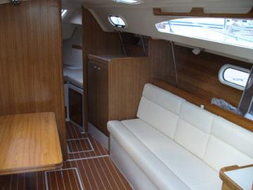 2006 Catalina 309, starboard cabin