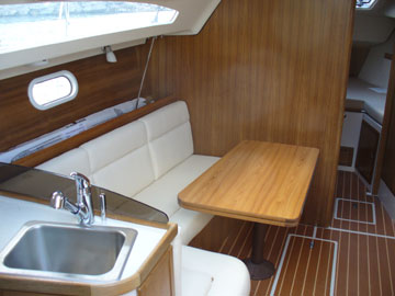 2006 Catalina 309, port cabin