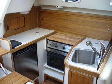 2006 Catalina 309, galley