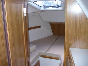 2006 Catalina 309, forward berth