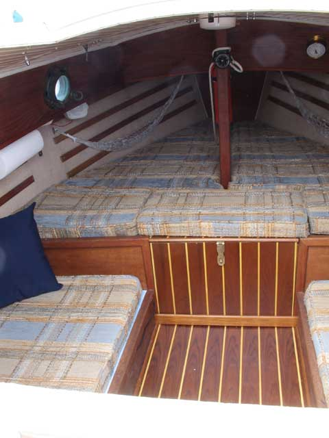 ComPac 19 II sailboat