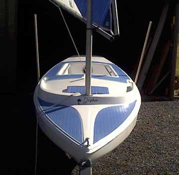 1982 Dolphin Senior sailboat