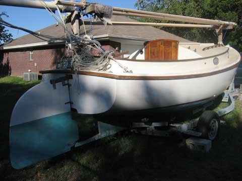 Herreshoff 18 catboat