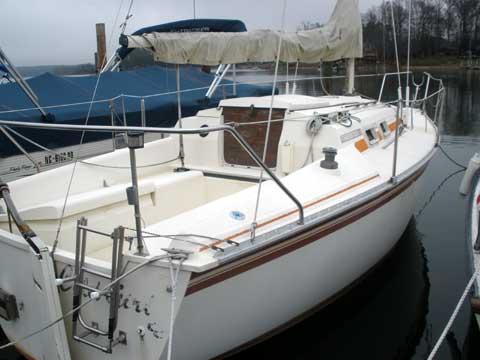 Hunter 25.5 sailboat
