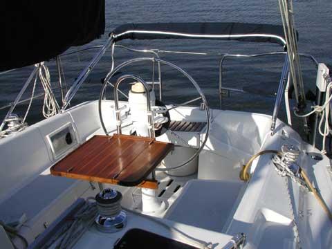 Hunter 33.5 yacht