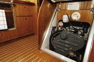2005 Hunter 38 sailboat