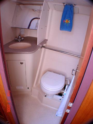 1999 Hunter 410 sailboat