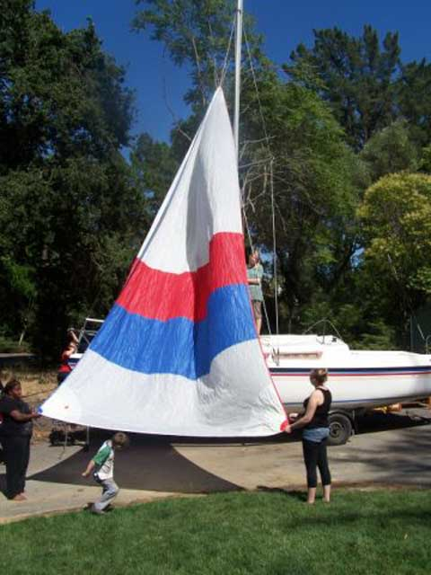 Macgregor 26D sailboat