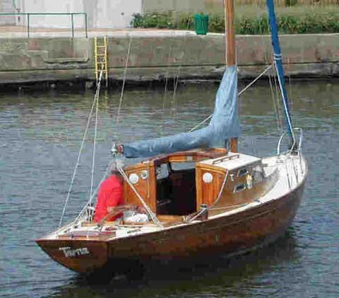 "1961 King's Cruiser 29, #199 Length: 28' 11"" Beam 7' 10"" Hull No. 199 ..."